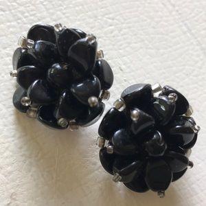 Vintage Black Lucite Beaded Floral Earrings 💕